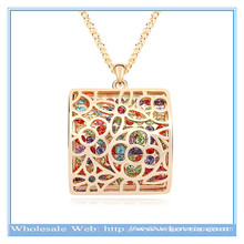 Latest design fashion 18k gold hollow alloy block diagram with crystal sweater necklace