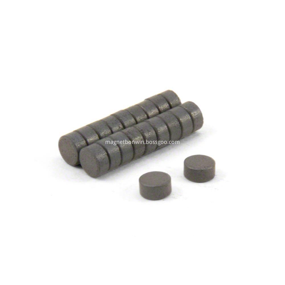 Hard sintered cylinder ferrite magnet