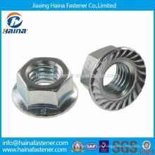 DIN6923 em aço inoxidável serrilhada porca flange