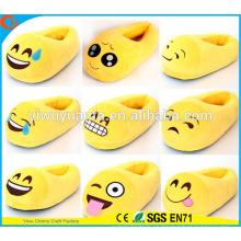 Caliente de venta caliente cómodo de la manera de Emoji de la expresión de la felpa del talón de la cubierta del deslizador