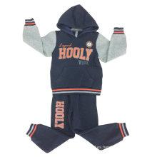 El más nuevo juego de entrenamiento impreso del juego de la pista del muchacho de la moda con buena calidad en la ropa de los niños Swb-111