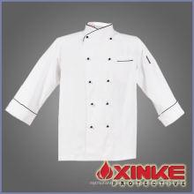 overoles blancos de chef de algodón usados en la cocina