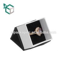 Причудливая Белая Бумага Кольцо Коробка С Лентой