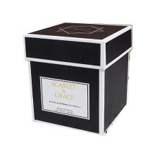 Черные квадратные свечи с пустыми ящиками