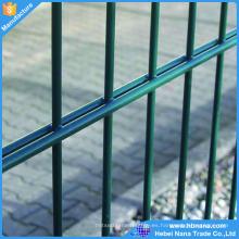 La cerca doble de la malla de alambre, el panel revestido pvc del alambre doble 868 de la cerca, la cerca verde o negra del doble del alambre de la varilla del alambre gemelo del color en venta