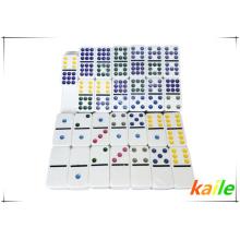 Heißer Verkauf Doppel 9 billige Kunststoff bunte Domino