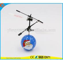 Mini juguete interesante de la bola del vuelo del juguete de la venta del juguete de Santa Claus Heli para el cabrito