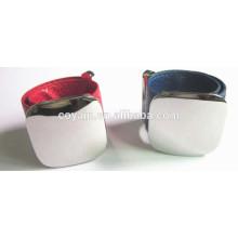 Longitud ajustable Brazalete de pun ¢ o de cuero de logotipo personalizado con placa de metal grabada