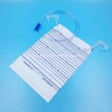 Sac d'urine en plastique plus tube de 0,9 m avec entrée