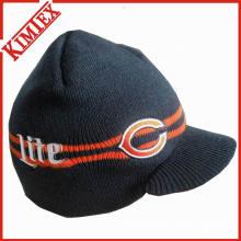 Зимняя трикотажная шапка с козырьком для унисекса