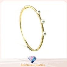 Women′s Jewelry White Pearl 925 Sterling Silver Golden Plating Bracelet Bangle Gift G41246