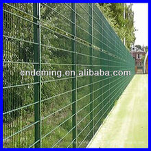modern plastic security fencing