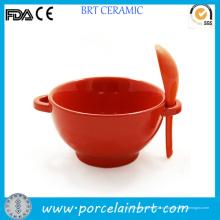 Керамический красный чашу суп ложкой