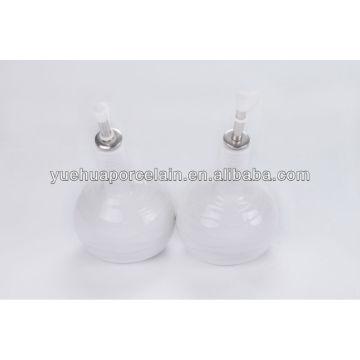 Новый дизайн Белое керамическое оливковое масло и уксусная бутылка для продажи