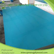 Madeira compensada do poliéster da cor branca e azul 1220X2440X2.6mm de Linyi Qimeng