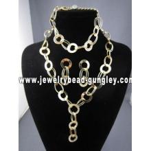 conjunto de jóias de custume