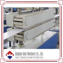 Chaîne de production d'extrusion de panneau de plafond de PVC