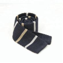 As gravatas feitas malha listradas listradas do poliéster dos homens feitos sob encomenda