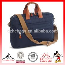 bolsa de laptop elegante com alça de couro