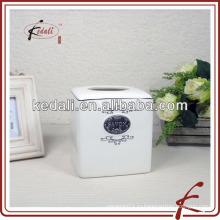 Коробка из фарфоровой салфетки с куском железа