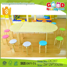 2015 new design solid wood furniture set preschool table and chairs for sale