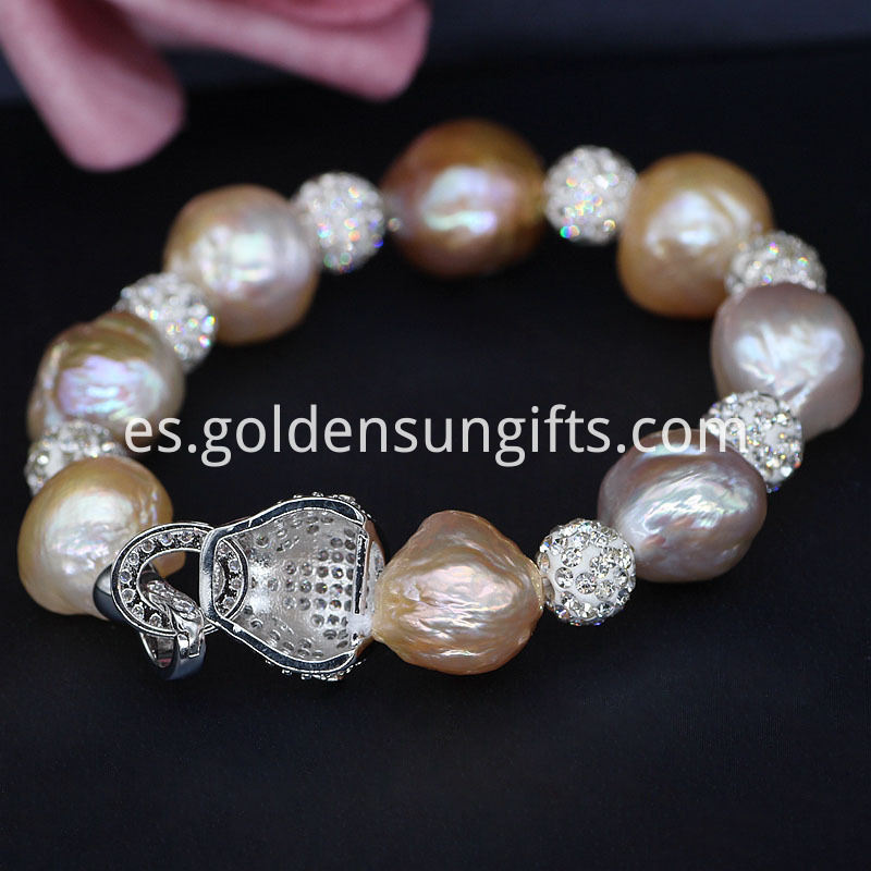 Fashion Pearl Bracelets