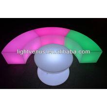 Silla LED con forma de serpiente