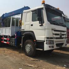 Camión HOWO de 25 toneladas con grúa montada