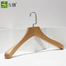 fabrication vêtement de luxe en hêtre cintre
