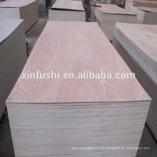 0,2 mm de madera contrachapada enfrentada Okoume