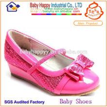 El fabricante de China suministra los zapatos de vestido de los cabritos