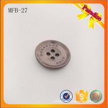 MFB27 Gun color Metal clássico 4 furos botão de metal com logotipo da marca gravada para a camisa