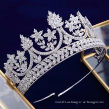 Nuevo diseño de lujo exquisito AAAZircon Cubic Zirconia Queen Crown Nupcial Tiaras de boda