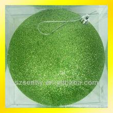 Magnifique mousse décorative grandes boules de Noël
