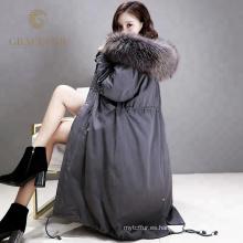 Las mujeres especiales especiales de invierno hacia abajo abrigo largo con la venta al por mayor de la nueva llegada de la capucha de la piel real de China