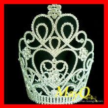 Coronas de cristal grandes y grandes