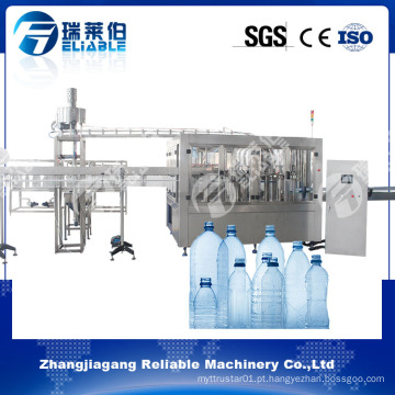 Termine a máquina de enchimento automática da água mineral para a garrafa plástica