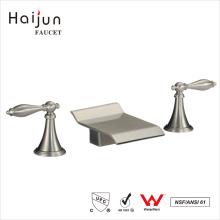 Haijun Productos famosos Ornamentado de 3 agujeros de doble mango grifería lavabo sanitario del lavabo