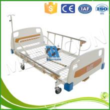 Eisen Krankenhaus Bett durch einzelne Kurbel