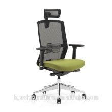 chaise exécutive en maille avec base en nylon et bras fixes