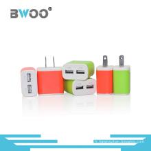 Chargeur de voyage double USB coloré avec prise us