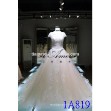 1A819 De alta calidad hermoso cordón ver a través de espalda vestido de bola vestido de boda de manga corta