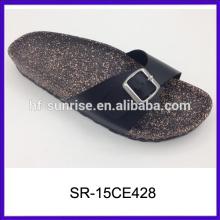 Sandalias planas de las muchachas de las sandalias baratas de China de las mujeres de la playa diseñan las últimas sandalias de las señoras diseña