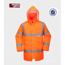 o trabalho vis do reflexivo alaranjado lindo dos homens oi usou o workear da segurança dos uniformes do trabalho