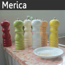 Amoladora de pimienta manual de madera multicolor