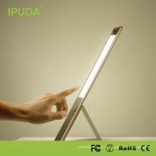 Les lampes de table décoratives d'économie d'énergie sans fil d'IPUDA touchent des lampes