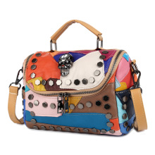 Retro Ladies′s Handbag with Rivet