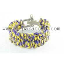 pulseira de fivela ajustável amarelo e roxo camo