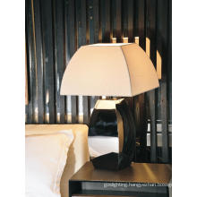 Modern Fabric Shade Table Light for Hotel Rooms (1098T1)