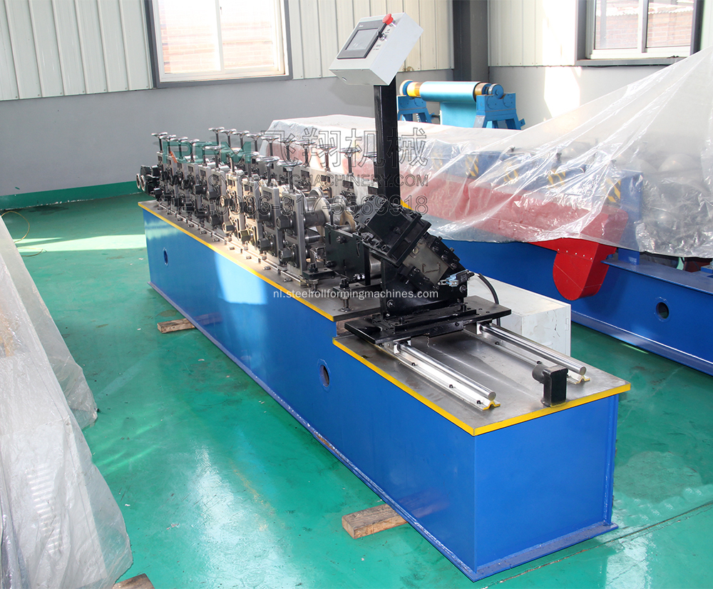 Plafond T Bar Automatische Roll Forming Machine